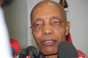 Victor Borges, governador da província de Nampula, que tinha abandonado a sua residência fugindo de uma suposta praga de ratos em plena cidade de Nampula