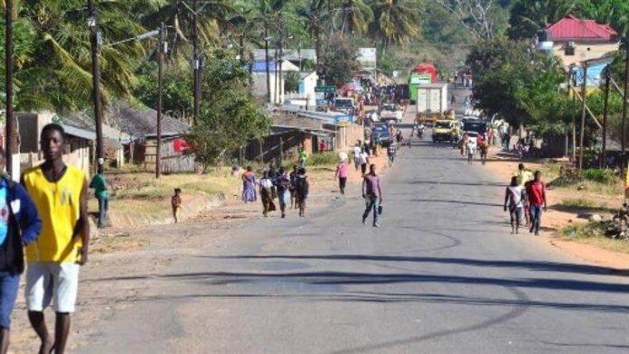 terroristas raptam tres mulheres em Nangade